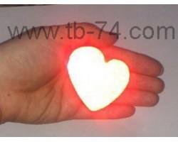 """Световозвращатель """"Сердце красное"""" (значок)"""